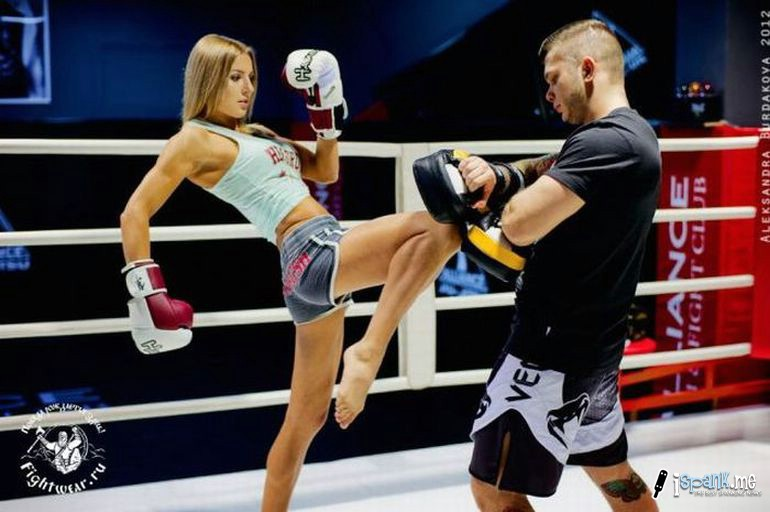 muay thai coed training